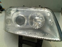 Volkswagen Transporter T5 Van 2.0 (AXA) HEADLIGHT RIGHT 2010