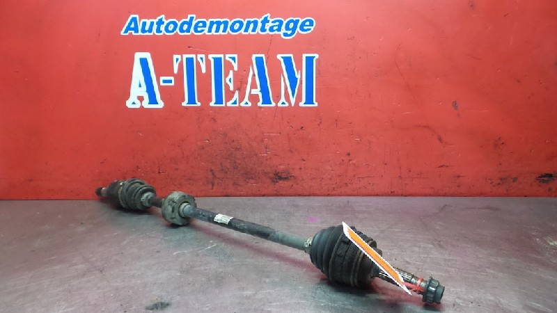Toyota Yaris (P1) Hatchback 1.0 16V VVT-i (1SZFE) DRIVE SHAFT RIGHT FRONT 2002