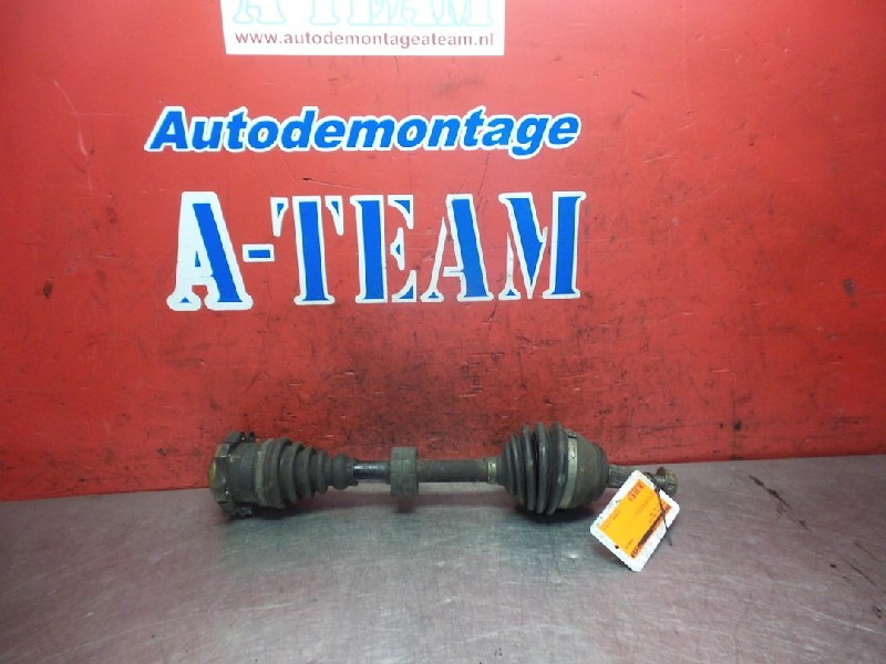 Volkswagen Golf IV (1J1) Hatchback 1.6 16V (AUS) DRIVE SHAFT LEFT FRONT 2001